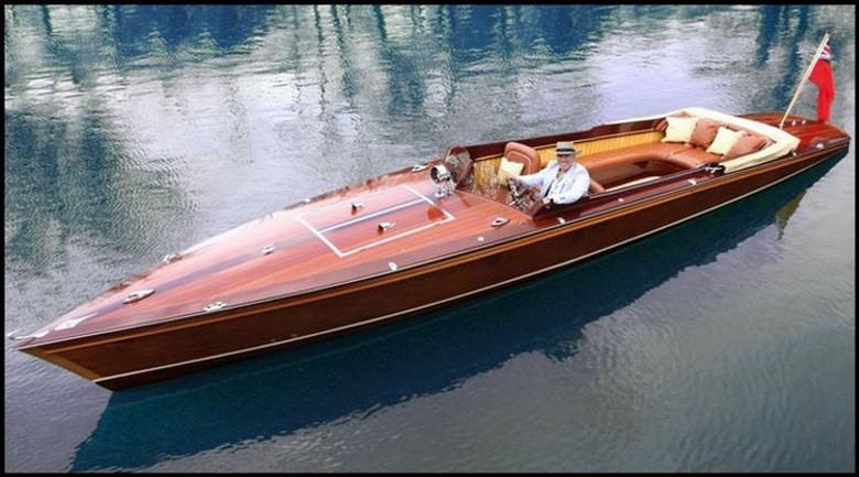 McLaren Designer Builds a Stunning Wood Electric Powerboat (4 Photos) (1)