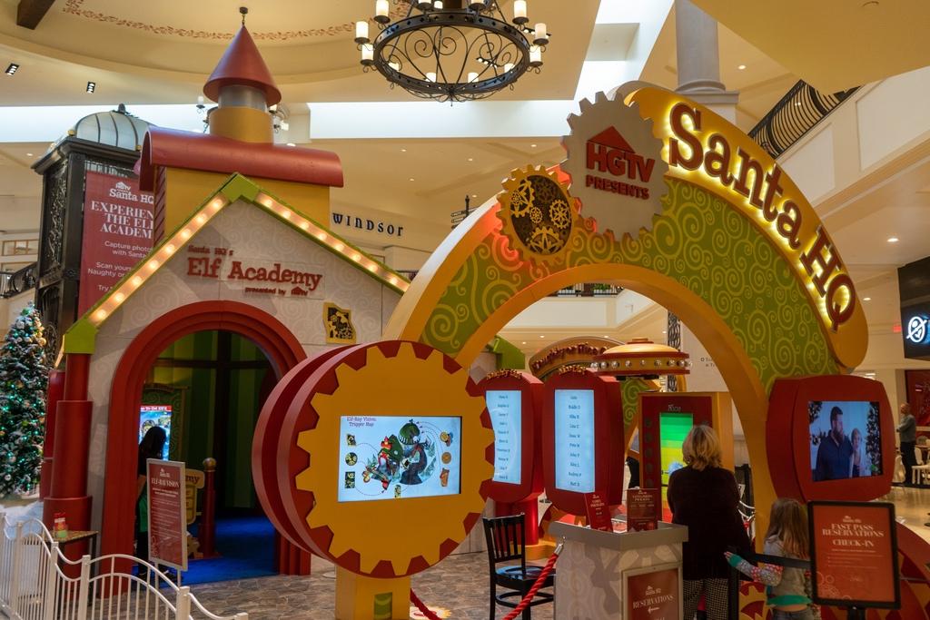 Celebrate Christmas at HGTV's Santa HQ at The Oaks (1)