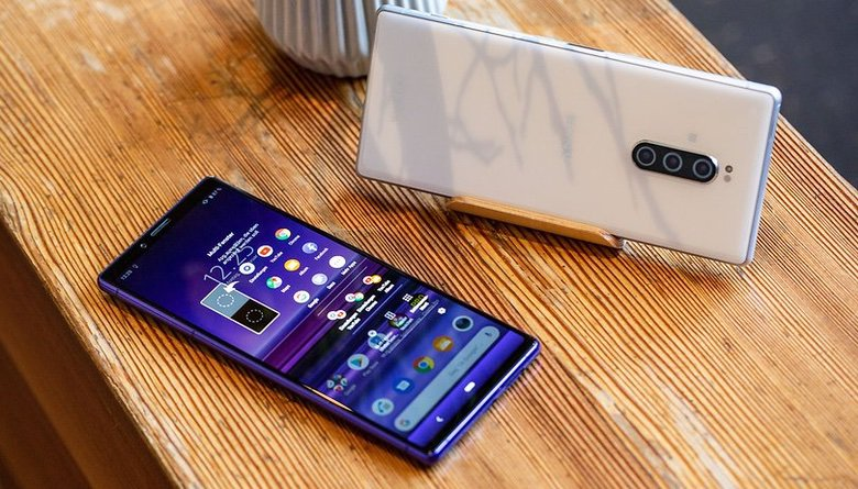 Tech Gift Guide: Sony Xperia 1 Cell Phone (1)