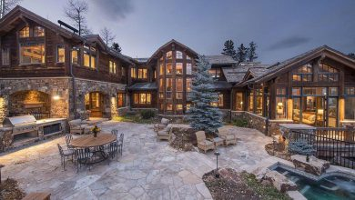 Photo of Dream House: Colorado Wood & Stone Mansion (18 Photos)