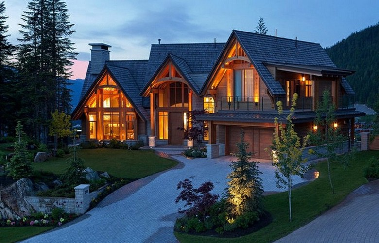 Dream House - Luxury Whistler Mountain Estate (28 Photos) (1)