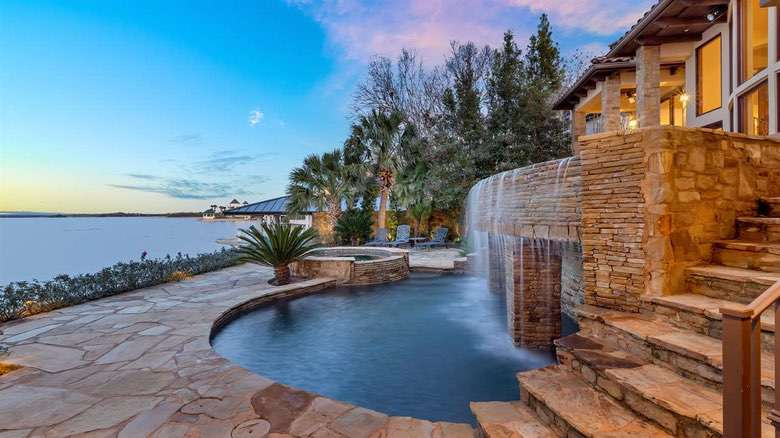 Dream House: Texas Lakefront Luxury (1)