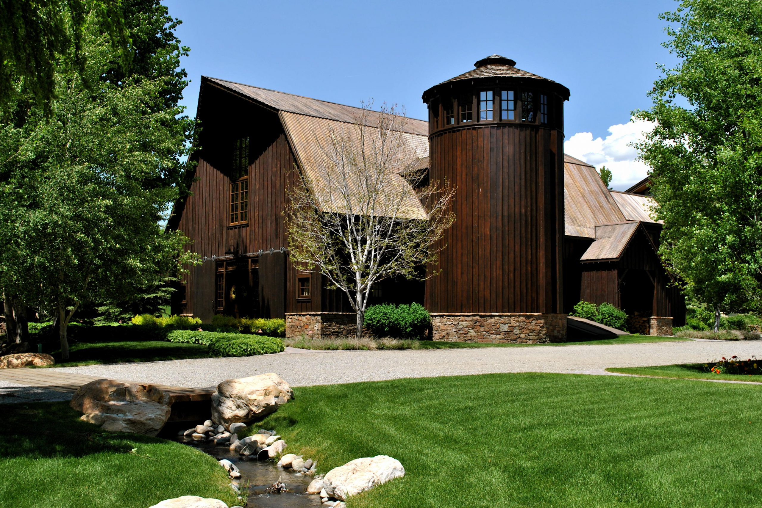 Dream House: Idaho Barn Rustic Compound (1)