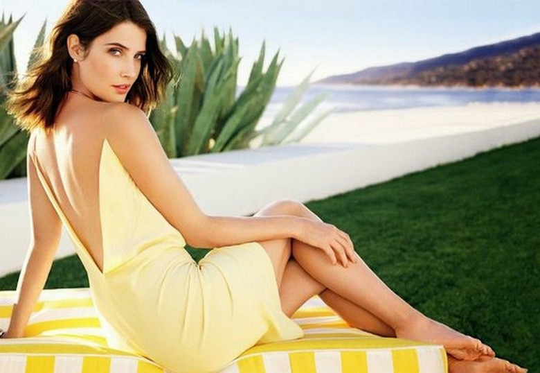 Women We Love: Cobie Smulders (1)