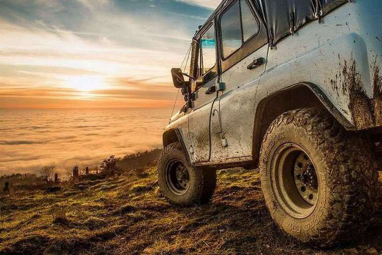 Afternoon Drive: Off-Road Adventures (1)
