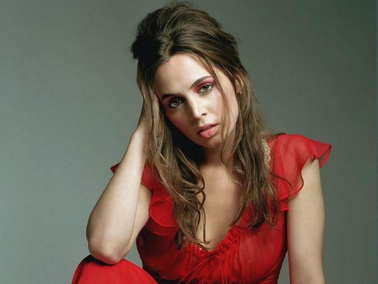 Women We Love: Eliza Dushku (1)