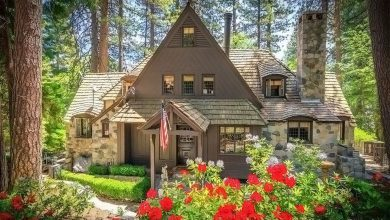 Photo of Dream House: 1940 Lake Arrowhead Lakefront Cottage (27 Photos)