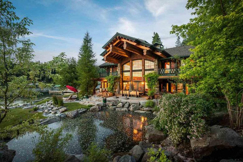 Suburban Men Dream House: Lodge at Hayden Lake Home For Sale (1)