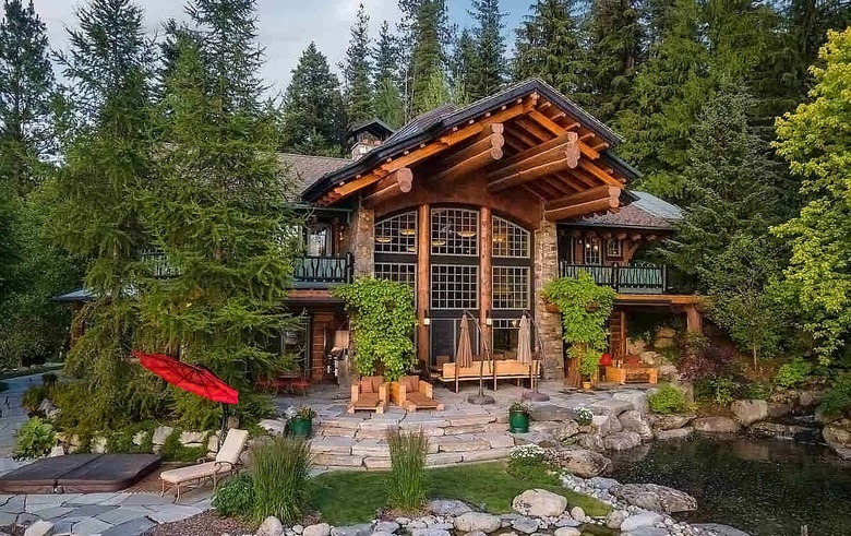 Dream House: Lodge on Hayden Lake (1)
