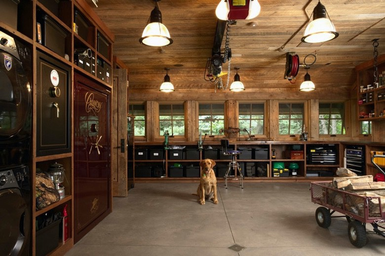The Highcroft Hunting Barn is Your Dream Man Cave (1)