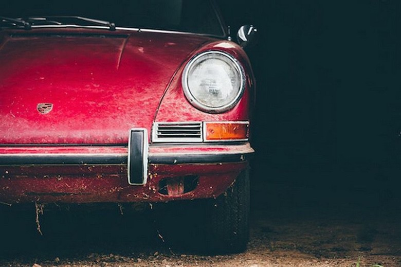 Lucky Guy Find a 1967 Porsche in a Barn (1)