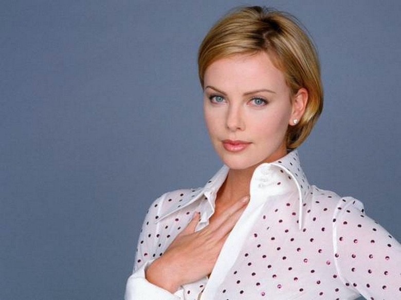 Suburban Men Women We Love – Charlize Theron (1)