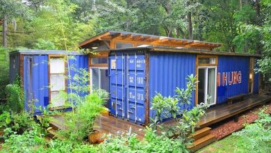 Artist Creates a Beautiful Shipping Container Home (1)