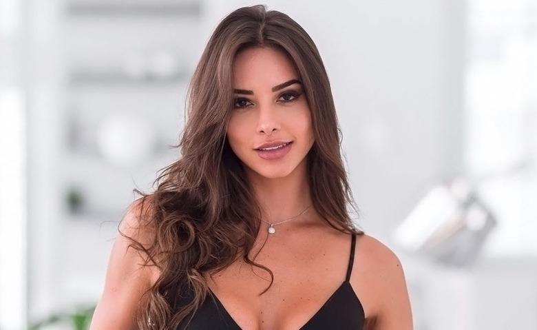 Instagram Crush: Brazilian Model Carol Chafauzer (1)