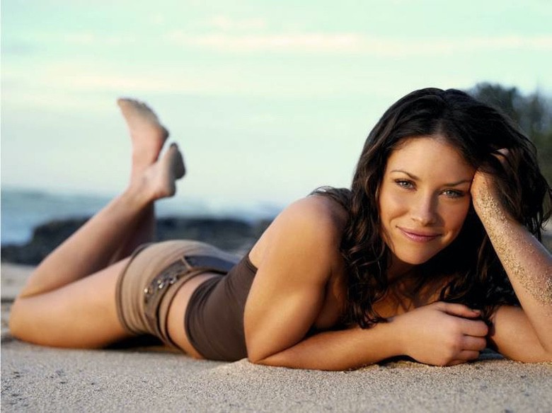 Women We Love – Evangeline Lilly (1)