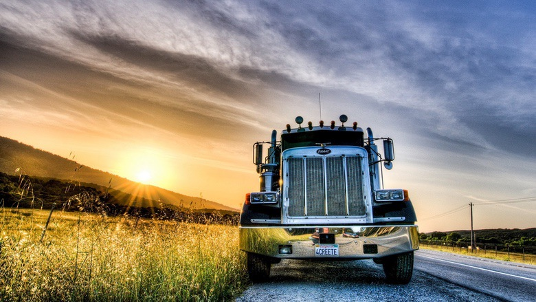 Suburban Men Afternoon Drive: Big Rigs Semi Trucks (1)
