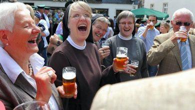 Suburban Men Happy Hour Women Food Drink Humor Funny Memes (1)