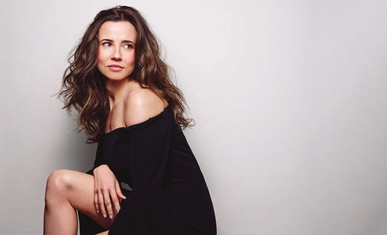 Women We Love: Dead To Me star Linda Cardellini (1)
