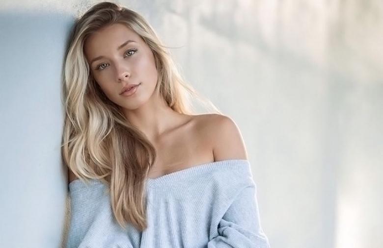 gorgeous swimsuit model Kenzie Hope (1)
