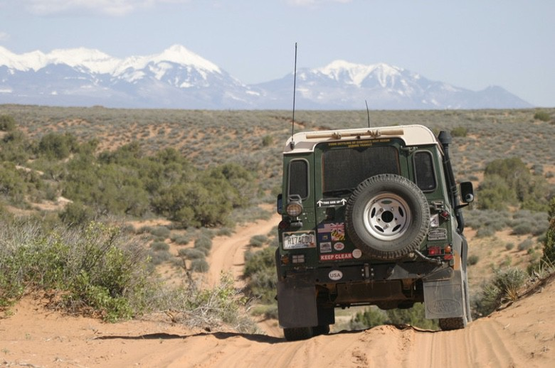 Suburban Men Afternoon Drive: Off-Road Adventures 4x4 Jeep Toyota Land Rover (1)