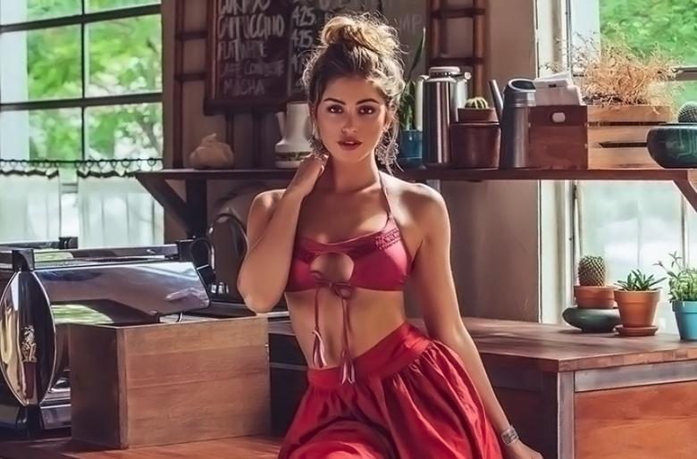 Instagram Crush: Gorgeous French Venezuelan Los Angeles beauty Gigi Paris (1)